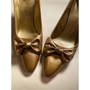 Vintage Gold Bow Heels 50s 60s Madmen Holiday Xmas